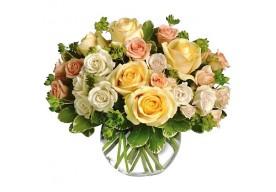 Rosen buket i varme og lyse pastelfarver